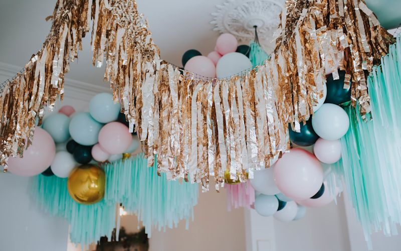 balloon garland with tassels